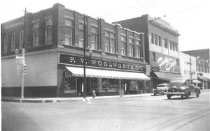 Corner_Irby_and_Evans_F_W_Woolworth-46-800-600-80